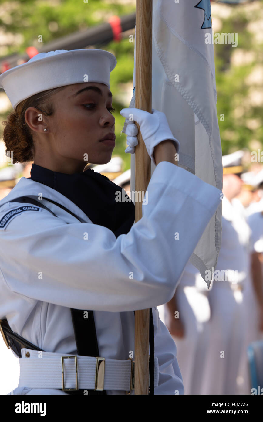 180605-N-HG258-1128 WASHINGTON (June 5, 2018) Members of the U.S. Navy Ceremonial guard march onto the U.S. Navy Memorial in Washington, D.C., during the commemoration of the 76th anniversary of the Battle of Midway. The Battle of Midway began on June 4 in 1942 and stands as one of the U.S. Navy's most historically significant naval battles. Fought on the high seas of the Pacific more than half a century ago, this battle altered the course of the war in the Pacific and thereby shaped the outcome of world events. (U.S. Navy photo by Senior Chief Musician Stephen Hassay/Released) - Stock Image
