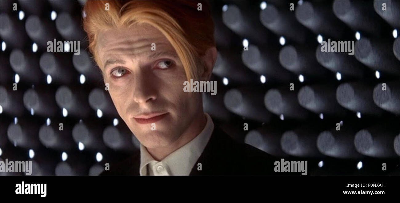 THE MAN WHO FELL TO EARTH 1976 British Lion film with David Bowie - Stock Image
