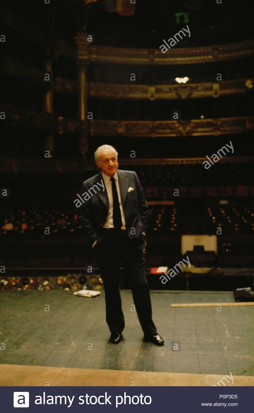 Director Rolf Liebermann on the stage of the Palais Garnier, Paris, 1973. Location: Operahouse Palais Garnier, Paris, France. - Stock Image