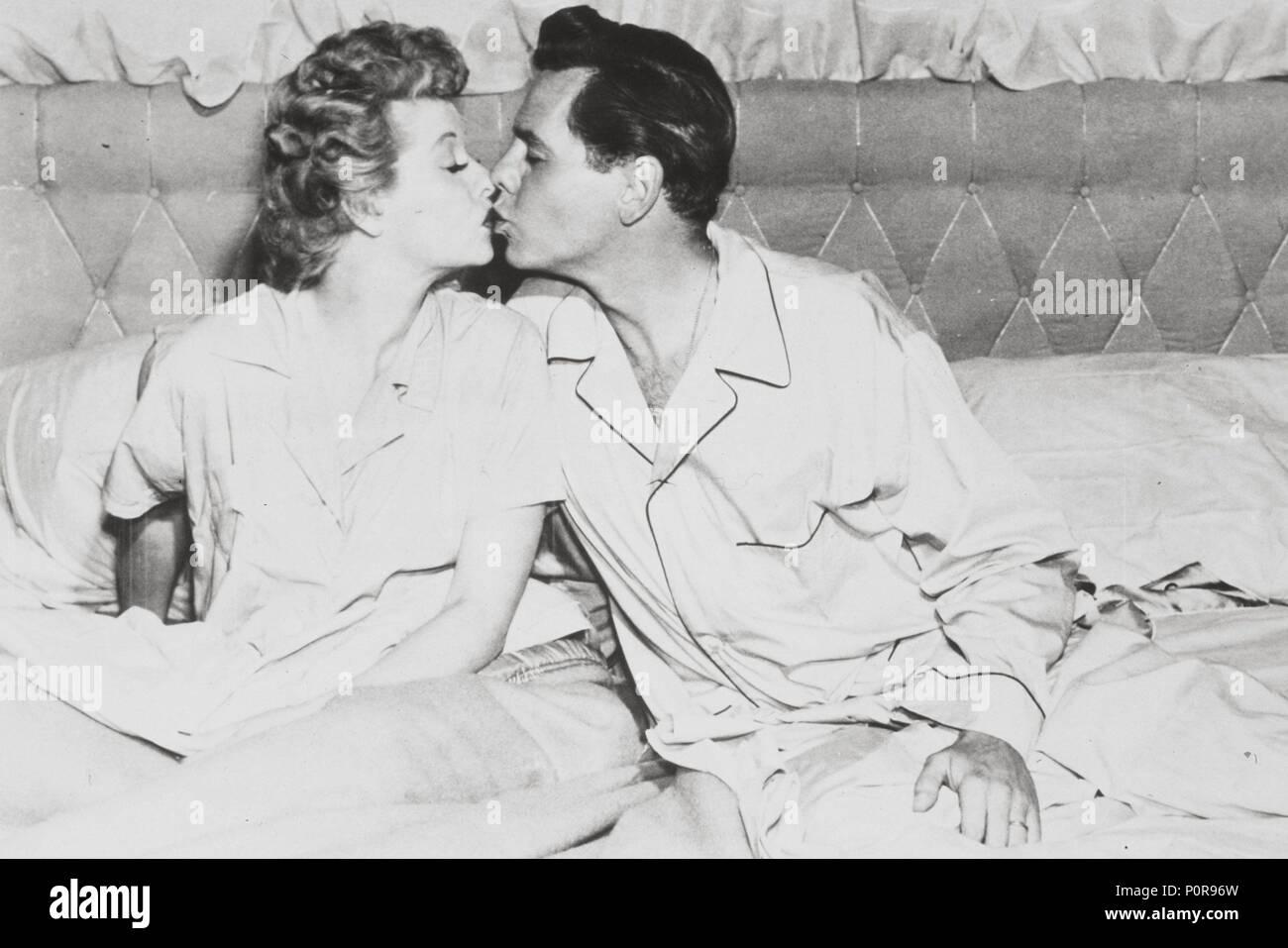 094ac05f Lucille Ball And Desi Arnaz Stock Photos & Lucille Ball And Desi ...