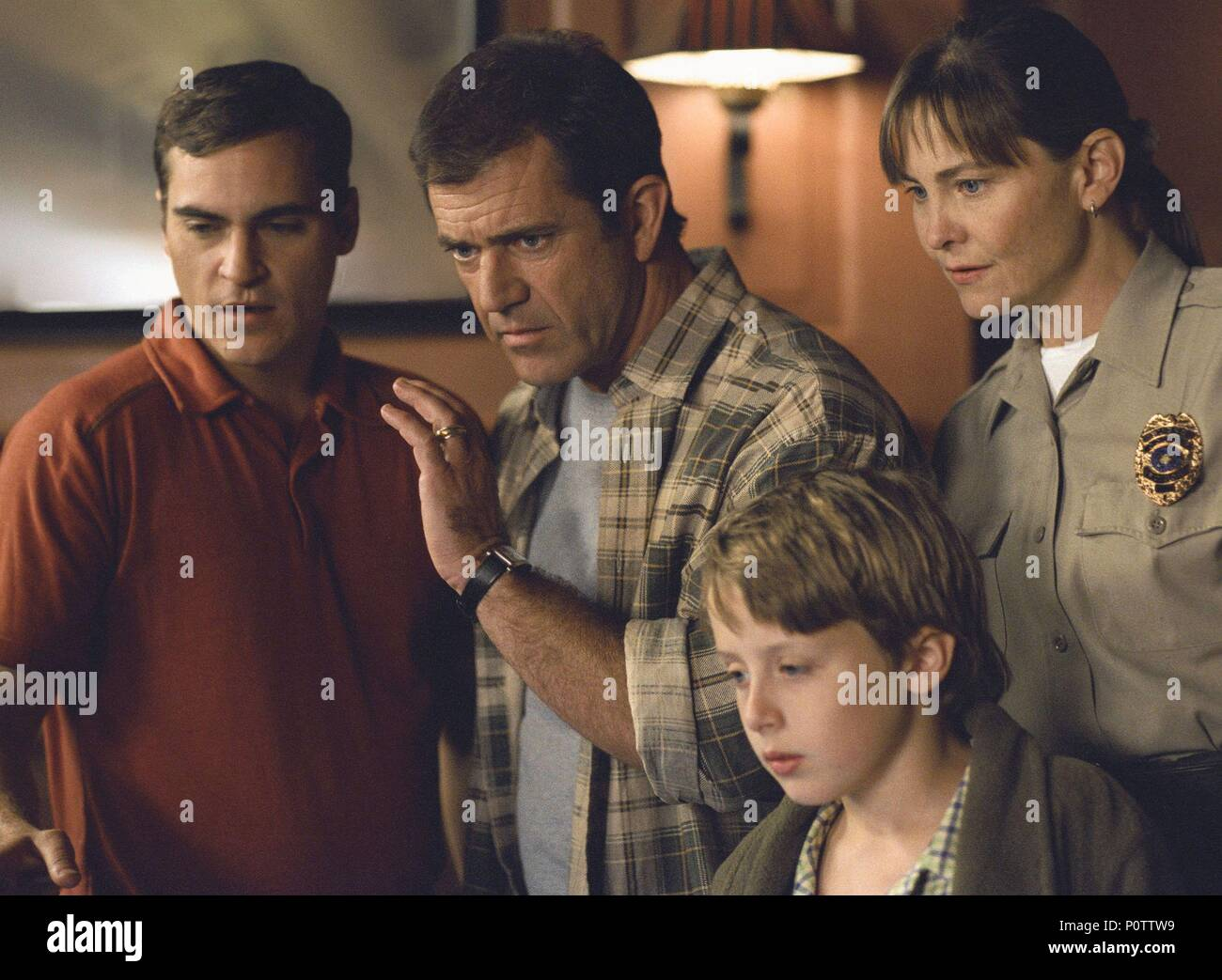 Mel Gibson Signs 2002 High Resolution Stock Photography And Images Alamy