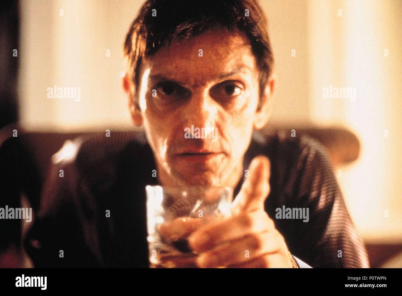 Original Film Title: O INVASOR.  English Title: TRESPASSER, THE.  Film Director: BETO BRANT.  Year: 2002. Credit: DRAMA FILMES/TIBET FILME/EUROPA FILMES/VIDEOFILMES/QUANDRA / Album - Stock Image