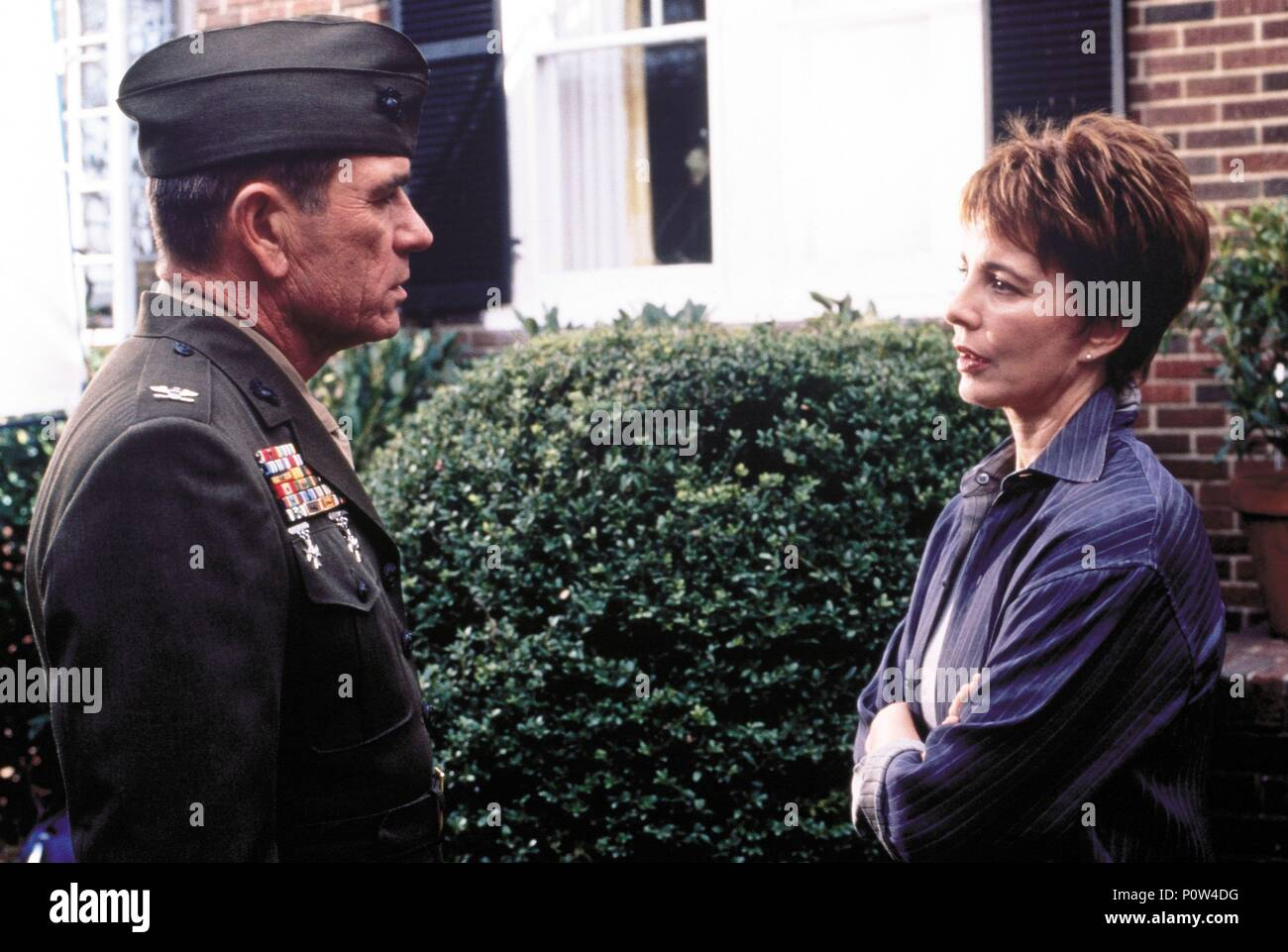 Original Film Title: RULES OF ENGAGEMENT.  English Title: RULES OF ENGAGEMENT.  Film Director: WILLIAM FRIEDKIN.  Year: 2000.  Stars: ANNE ARCHER; TOMMY LEE JONES. Credit: SEVEN ARTS PICTURES/PARAMOUNT PICTURES / EMERSON, SAM / Album - Stock Image