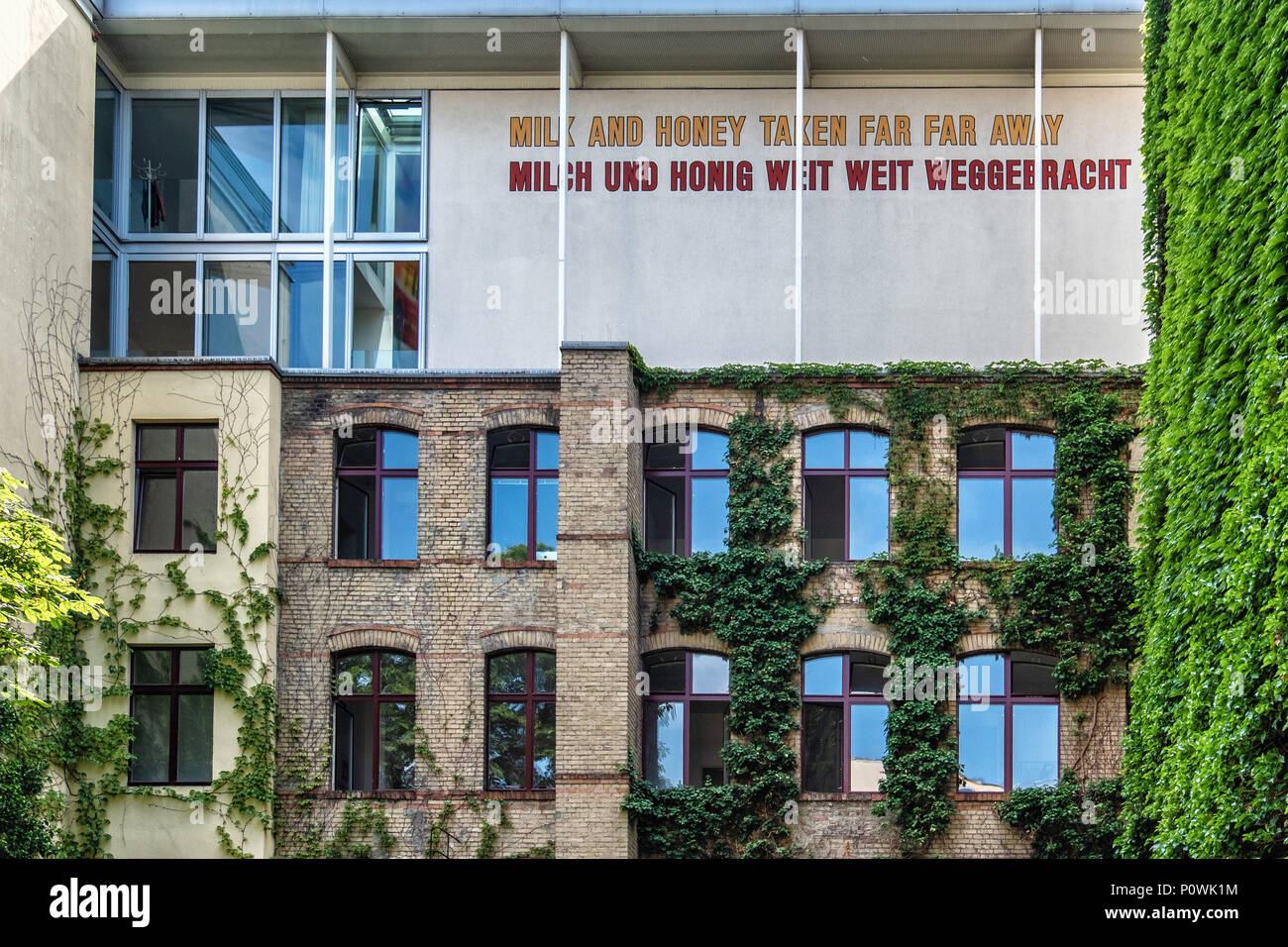Berlin, Mitte Sophie-Gips-HöfeHistoric 19th century building in Sophienstrasse & late 20th century  addition,Hoffman Gallery. Word art on facade - Stock Image