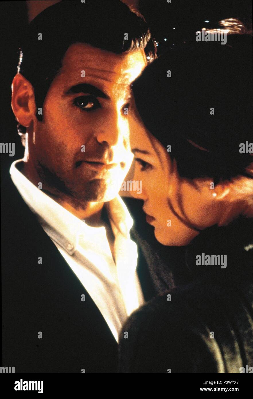 Original Film Title: OUT OF SIGHT.  English Title: OUT OF SIGHT.  Film Director: STEVEN SODERBERGH.  Year: 1998.  Stars: GEORGE CLOONEY; JENNIFER LOPEZ. Credit: UNIVERSAL PICTURES / MORTON, MERRICK / Album Stock Photo