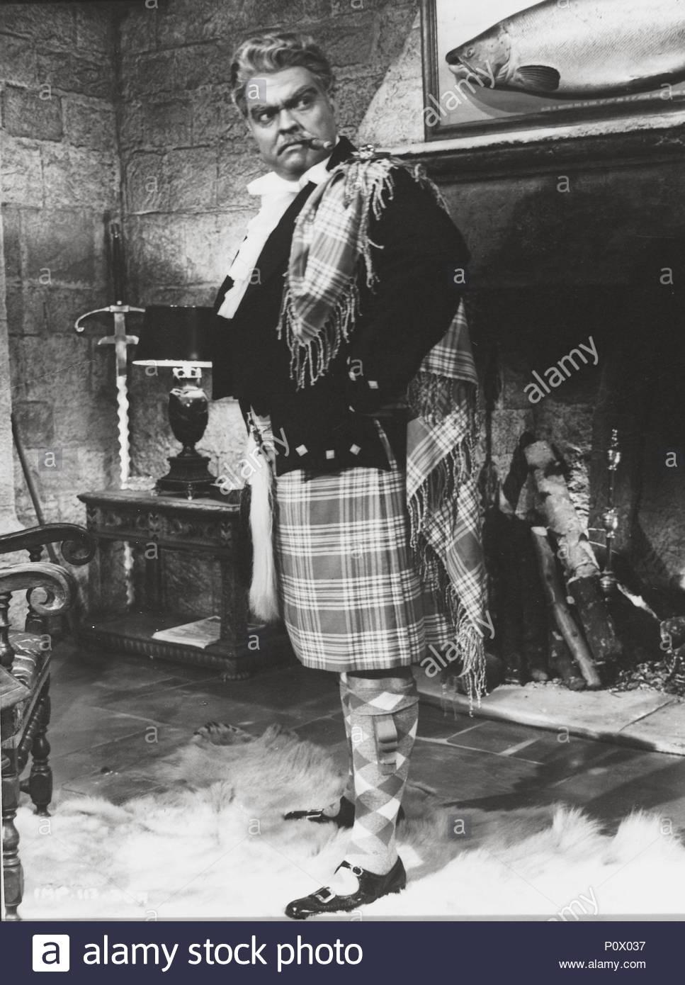 Original Film Title: TROUBLE IN THE GLEN.  English Title: TROUBLE IN THE GLEN.  Film Director: HERBERT WILCOX.  Year: 1954.  Stars: ORSON WELLES. Credit: REPUBLIC PICTURES / Album - Stock Image