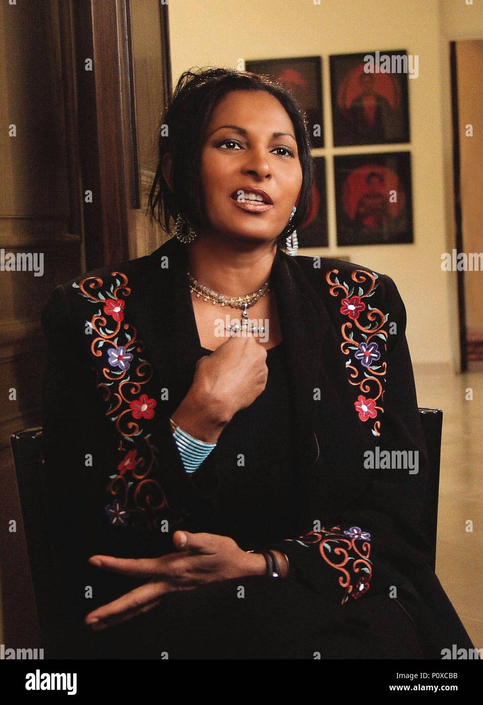 Year: 1998.  Stars: PAM GRIER. - Stock Image