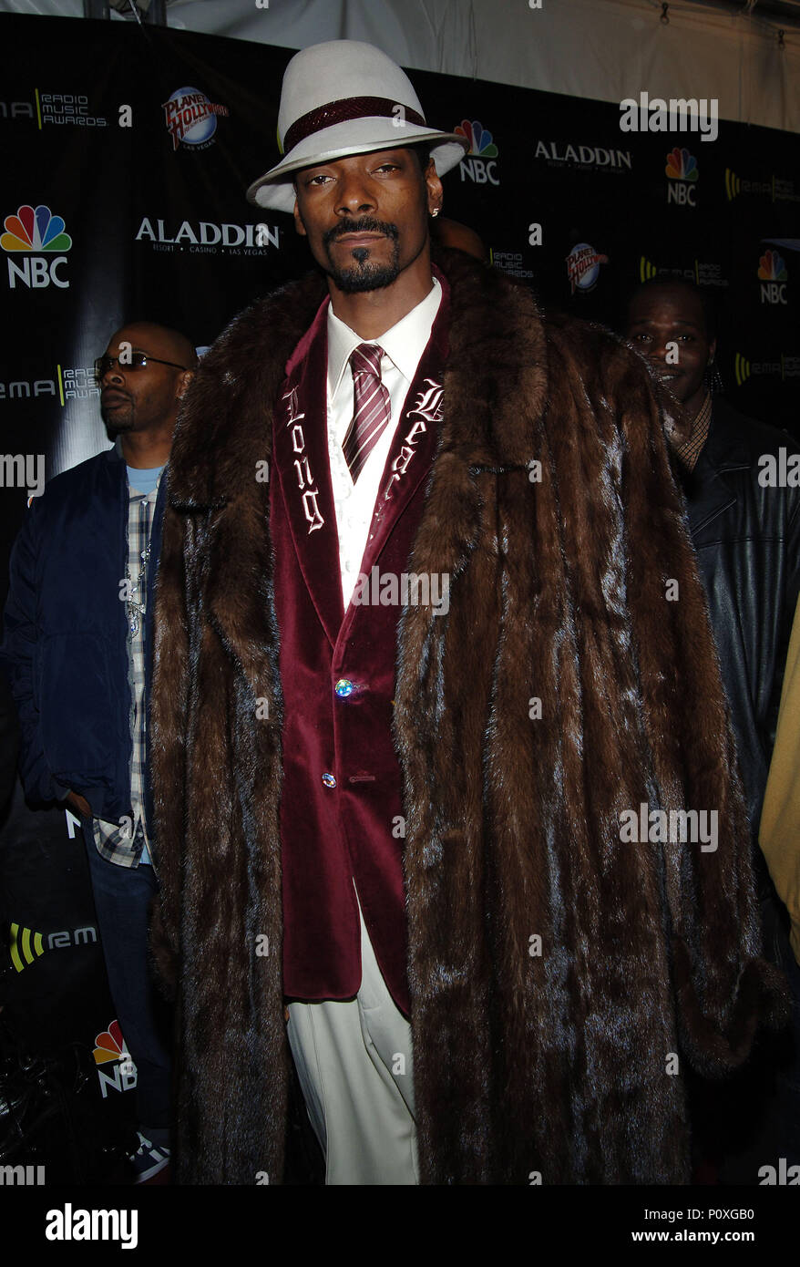 Snoop Dogg arriving at the Radio Music Awards 2005 at the