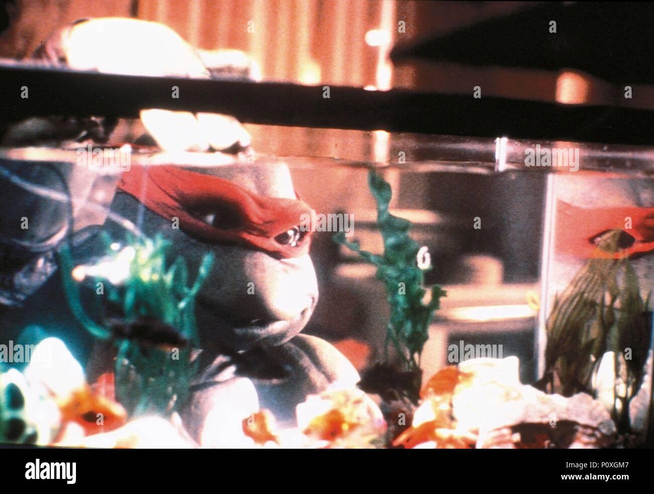 Original Film Title: TEENAGE MUTANT NINJA TURTLES.  English Title: TEENAGE MUTANT NINJA TURTLES.  Film Director: STEVE BARRON.  Year: 1990. Credit: NEW LINE CINEMA / Album - Stock Image