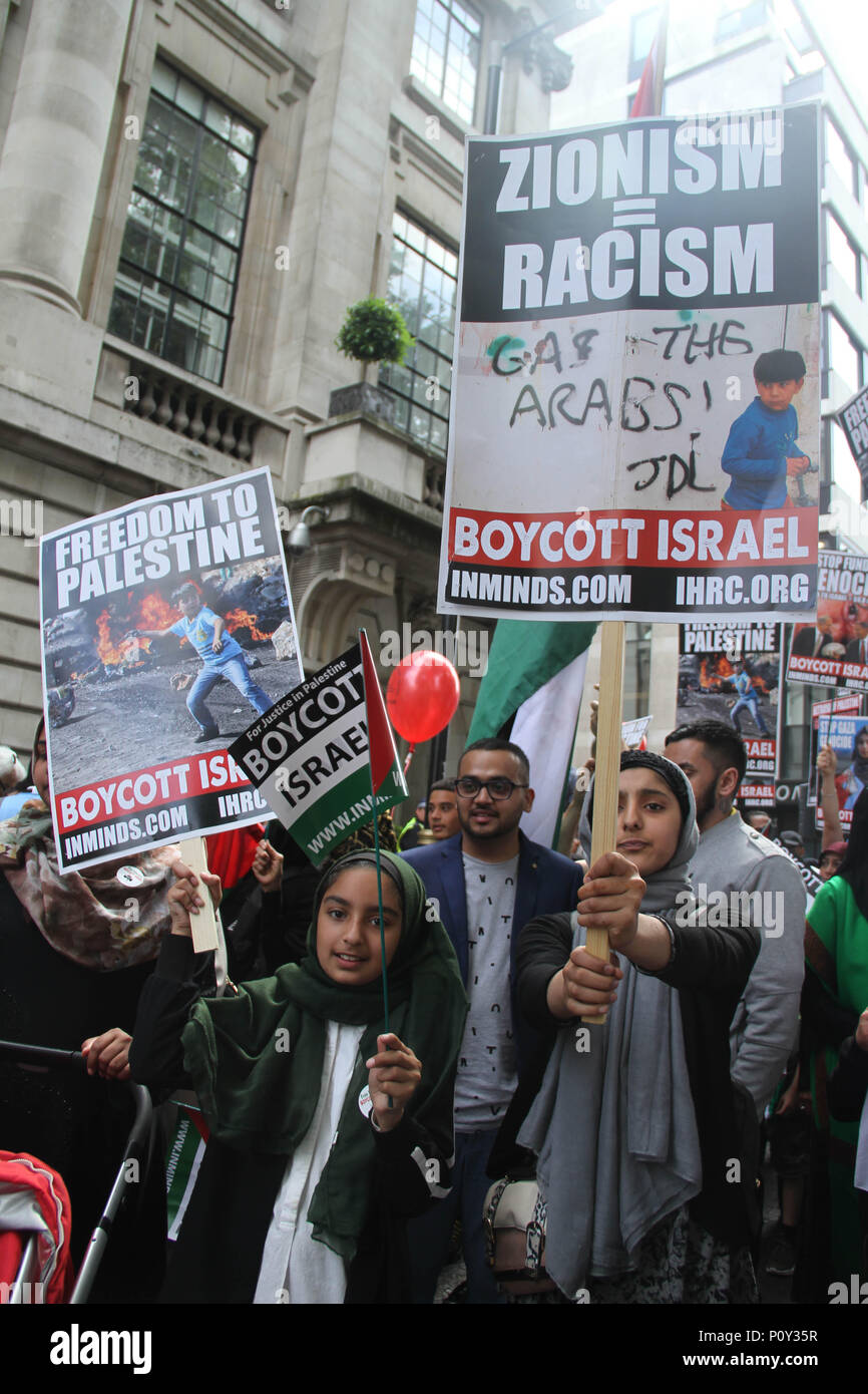 London, UK - 10 June 2018: Young Protestors take part  in a demonstration outside the Saudi Arabia Embassy for Al Quds Day on 10 June 2018. The annual event held on the last Friday of Ramadan that was initiated in 1979 to express support for the Palestinians and oppose Zionism and Israel. Credit: David Mbiyu / Alamy Live News Credit: david mbiyu/Alamy Live News - Stock Image