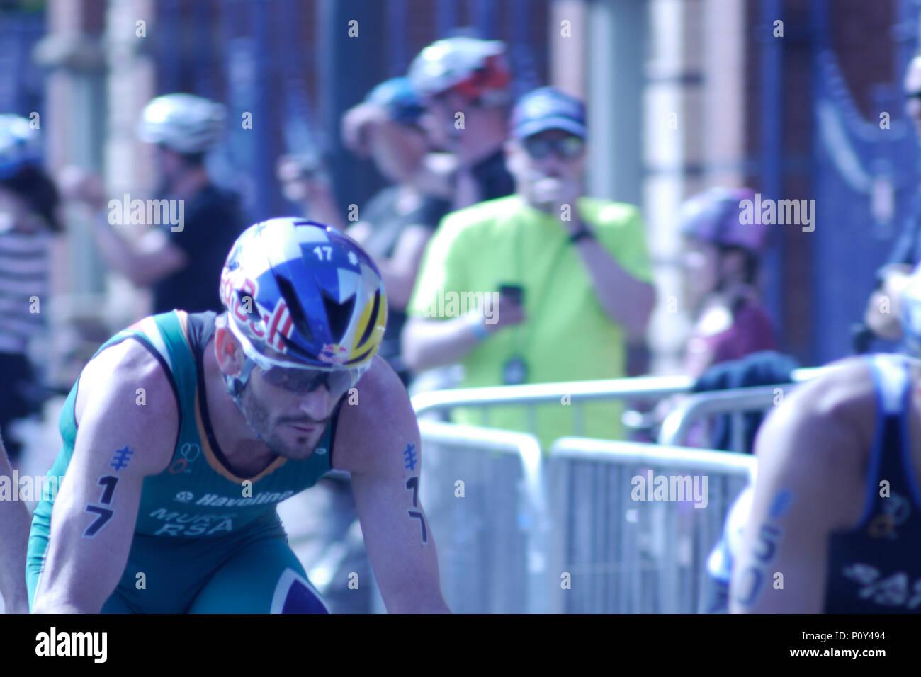 Leeds, UK, 10th June 2018. Richard Murray, Number 17, of RSA, during the cycle, on his way to winning the ITU World Triathlon Leeds. Credit: Jonathan Sedgwick/ Alamy Live News. - Stock Image