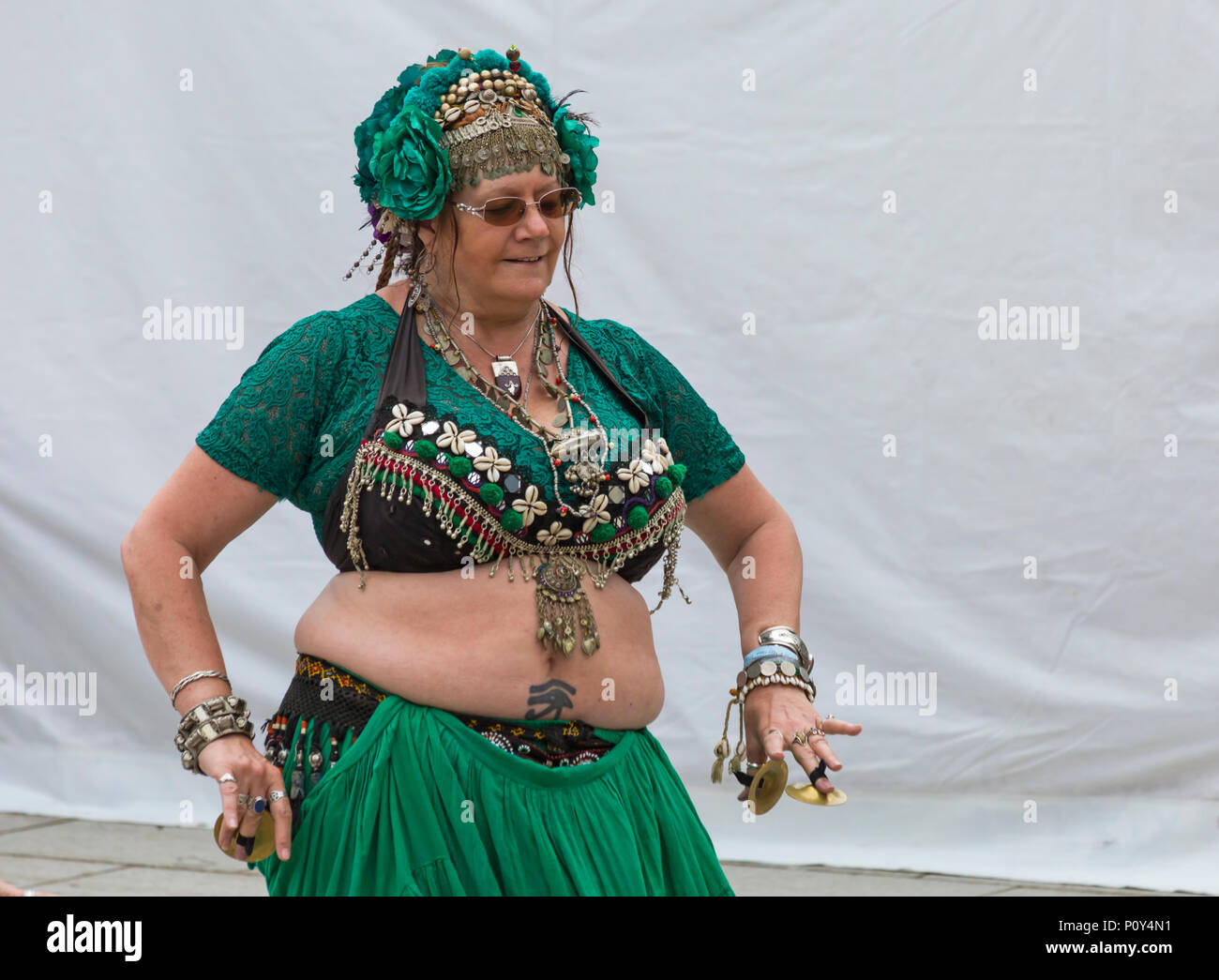 Mature women belly dancer