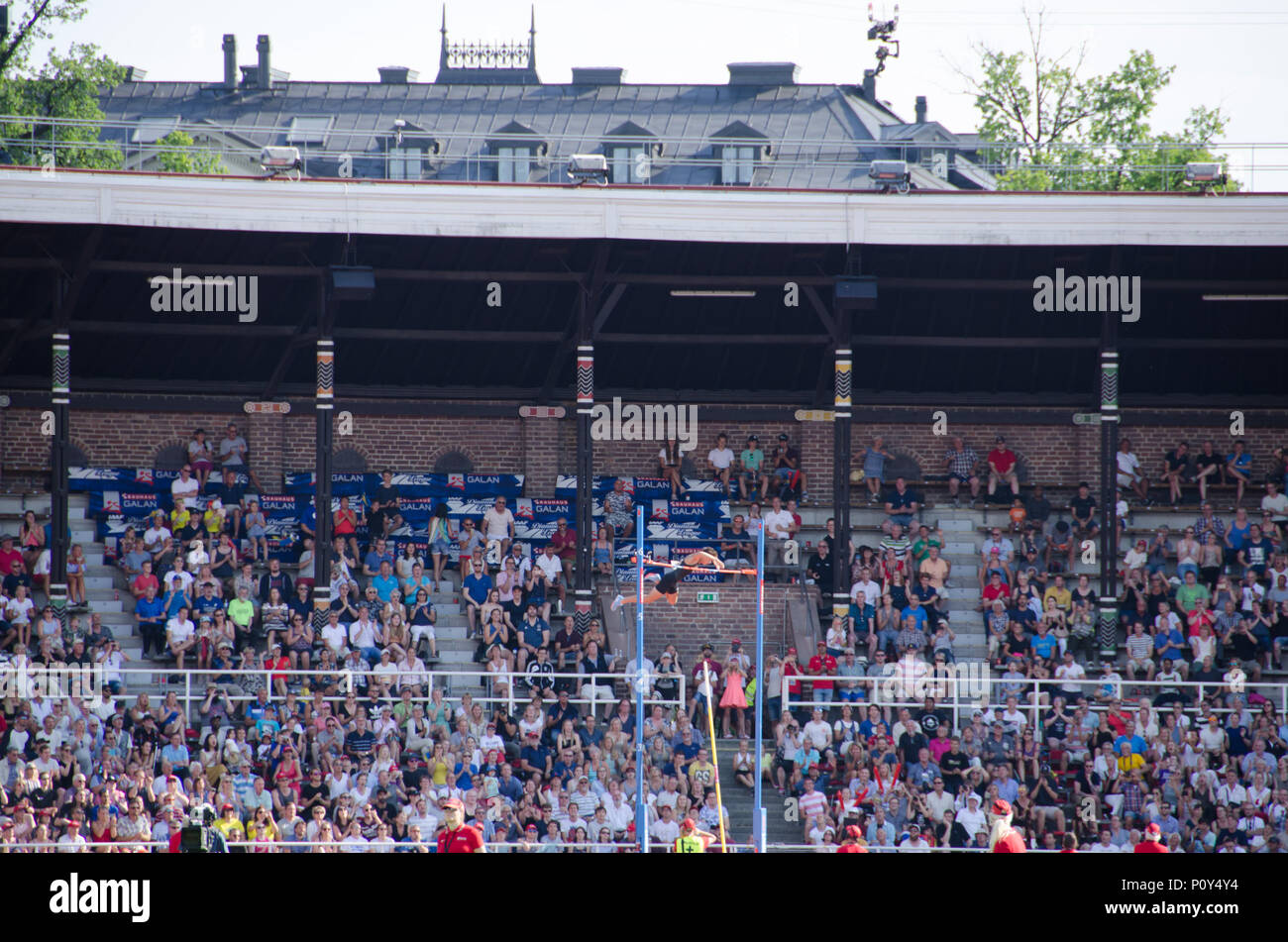 Stockholm, Sweden - 10 June 2018. Pole vault for men on the Diamond league- competition at Stockholm Stadium. The winner, Armand Duplantis making a clearing at 5,81 meters. Credit: Jari Juntunen/Alamy Live News - Stock Image