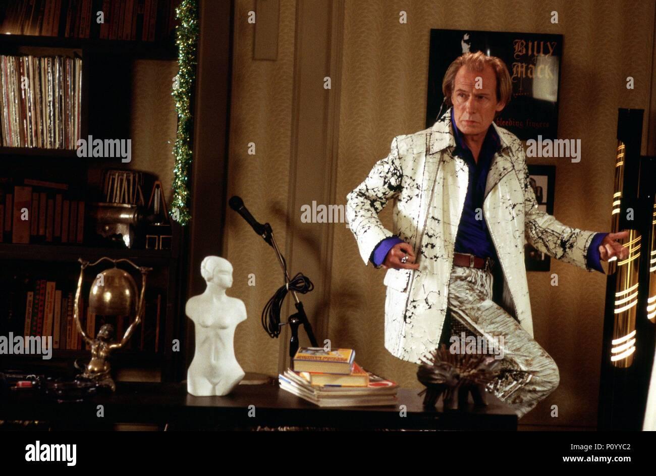 Original Film Title: LOVE ACTUALLY.  English Title: LOVE ACTUALLY.  Film Director: RICHARD CURTIS.  Year: 2003.  Stars: BILL NIGHY. Credit: UNIVERSAL STUDIOS / MOUNTAIN, PETER / Album - Stock Image