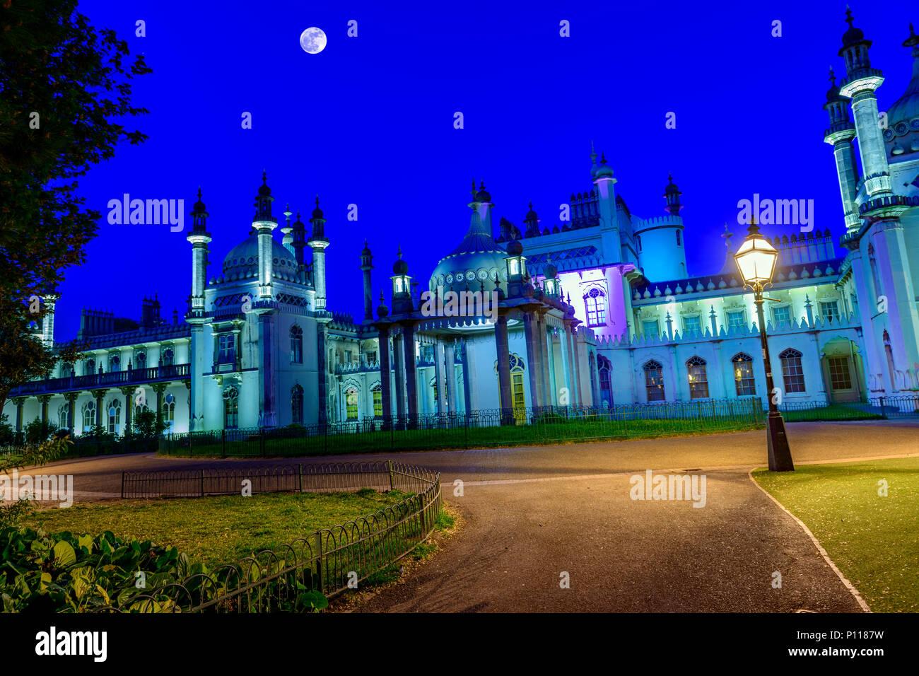 Royal pavilion Brighton at twilight. - Stock Image