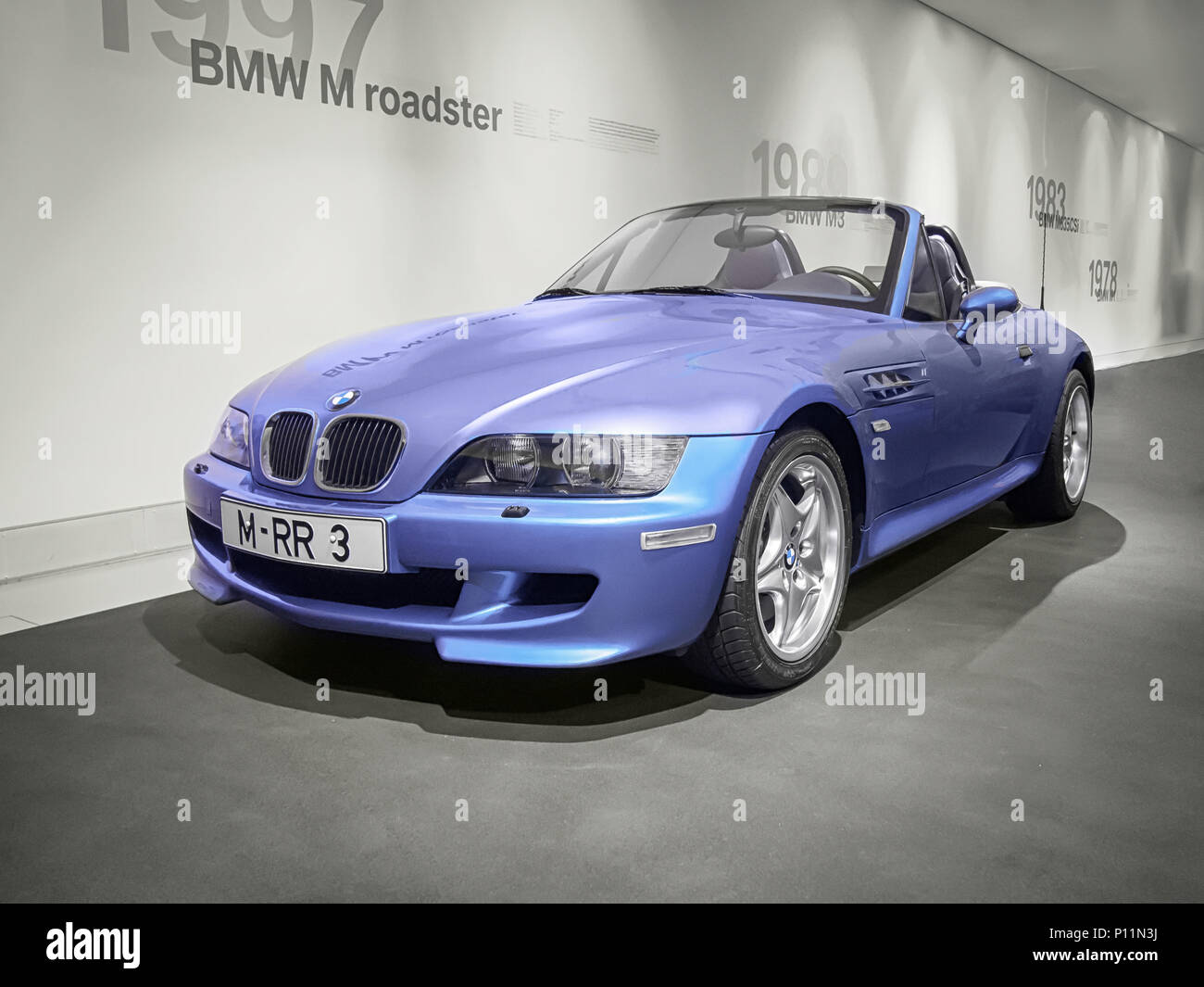 Bmw Z3 Roadster High Resolution Stock Photography And Images Alamy