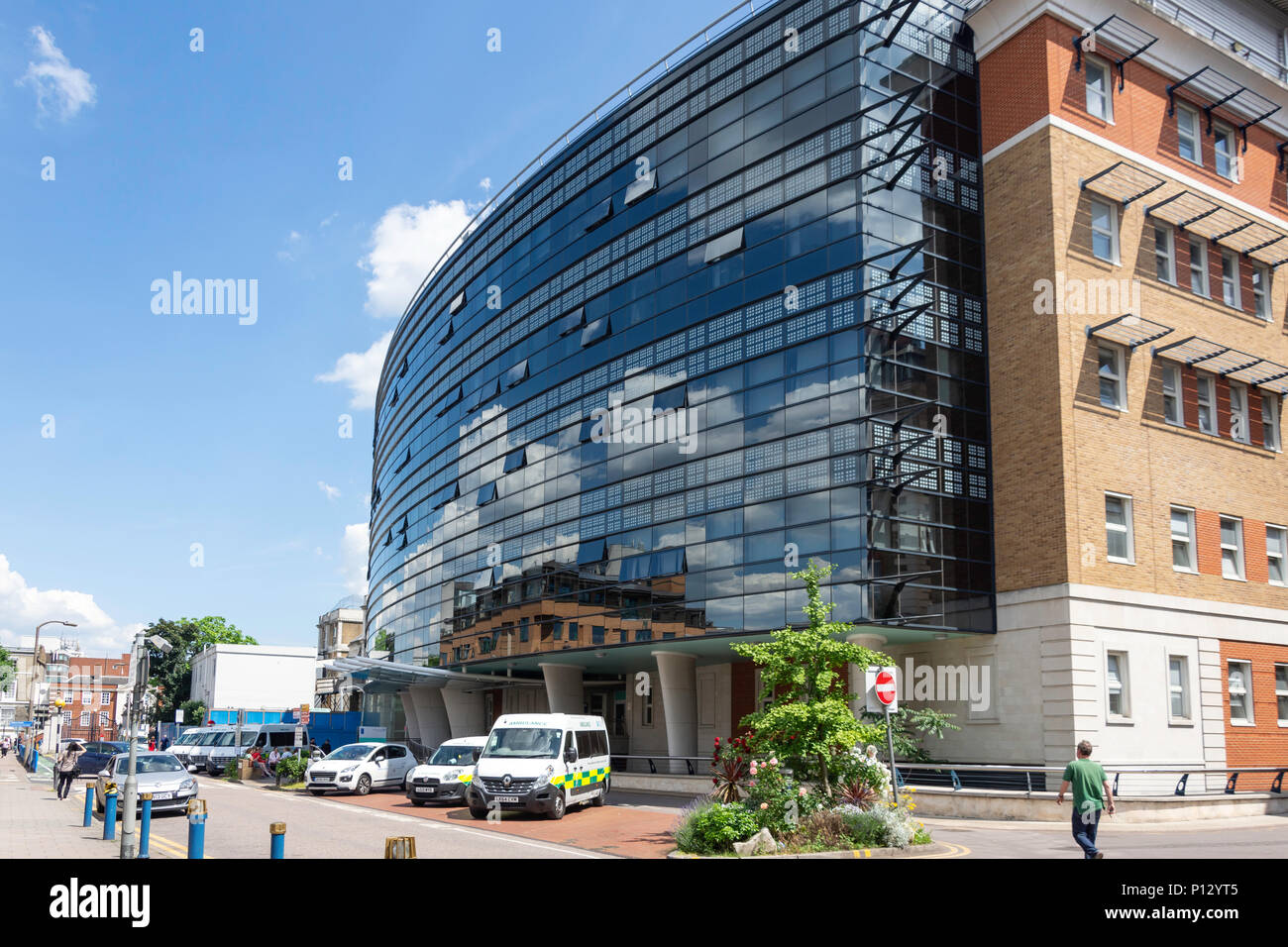 Entrance to Golden Jubilee Wing at King's College Hospital, Denmark Hill, Camberwell, London Borough of Southwark, London, England, United Kingdom - Stock Image