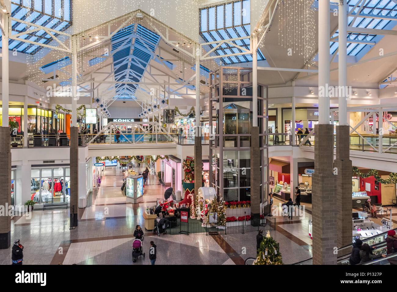 Interior of Woodfield Mall Stock Photo: 207206714 - Alamy