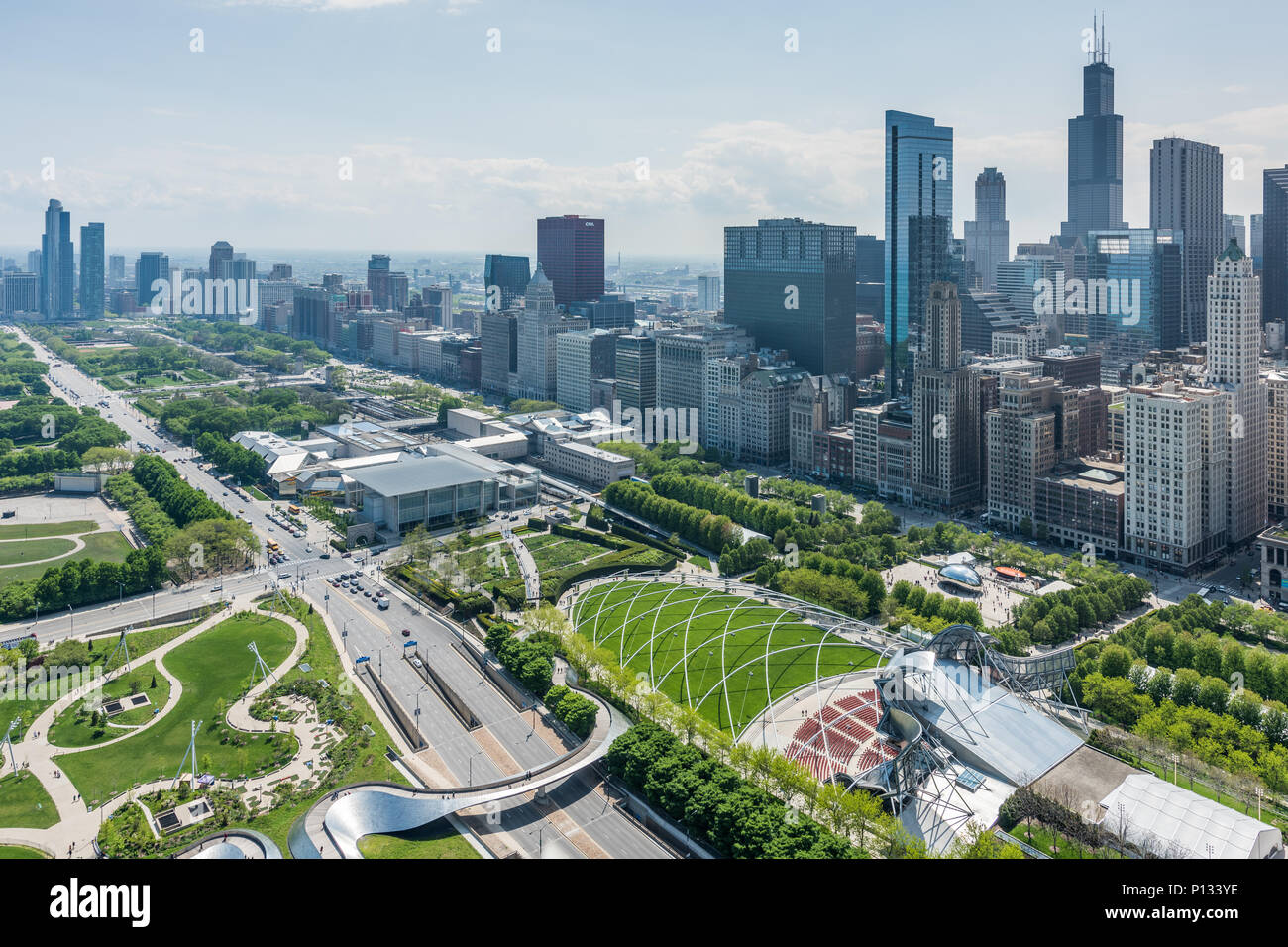 Aerial view of Millennium Park and downtown Chicago - Stock Image