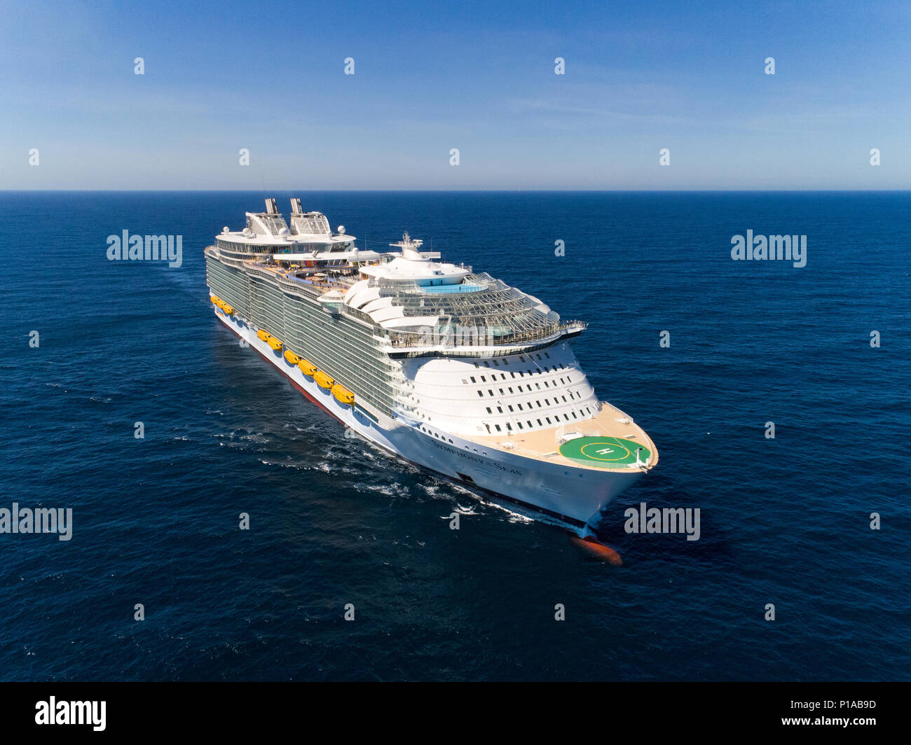 Spain: at sea, in the middle of the Atlantic Ocean. 2018/03/26. Maiden voyage of the Symphony of the Seas, the world's biggest cruise ship delivered b - Stock Image