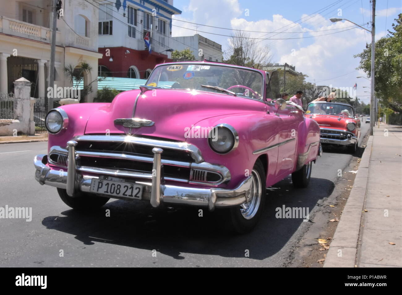 Pink Convertible Car High Resolution Stock Photography And Images Alamy