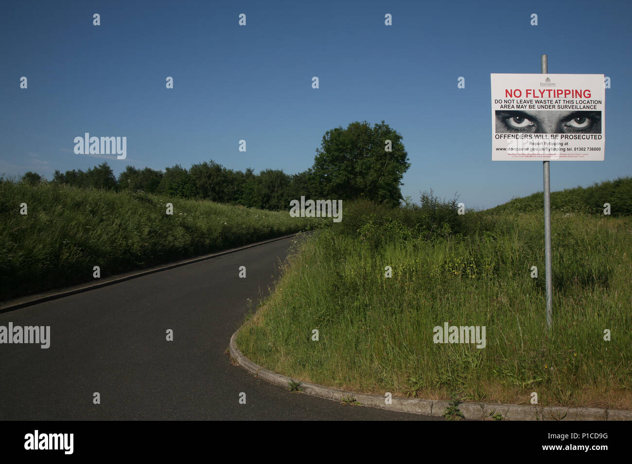 No Fly Tipping Sign Stock Photos & No Fly Tipping Sign