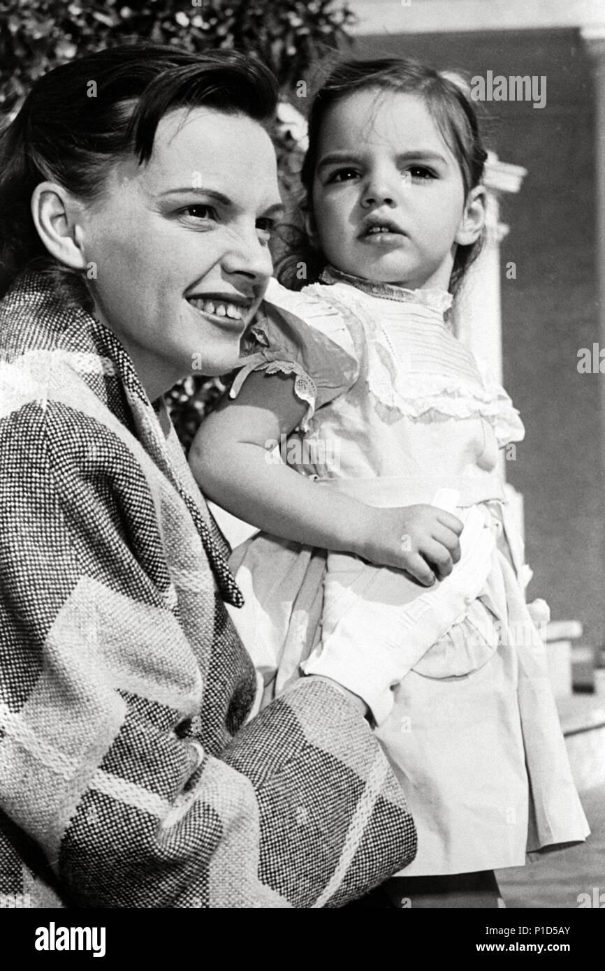 Stars Liza Minnelli Judy Garland Stock Photo Alamy