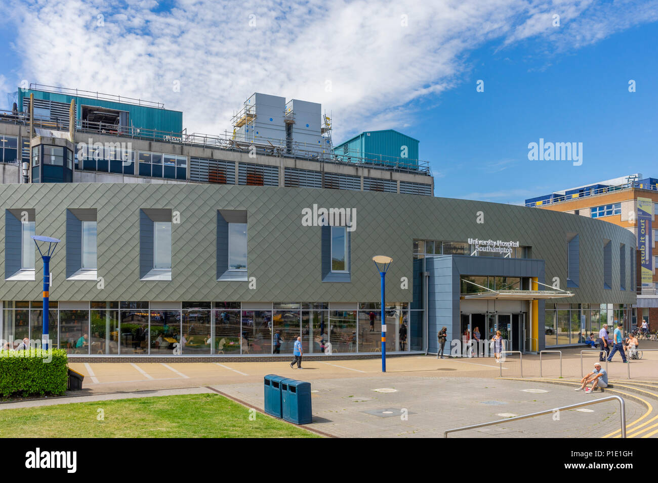 Main Entrance of the University Hospital Southampton (General Hospital) in Southampton, England, UK - Stock Image