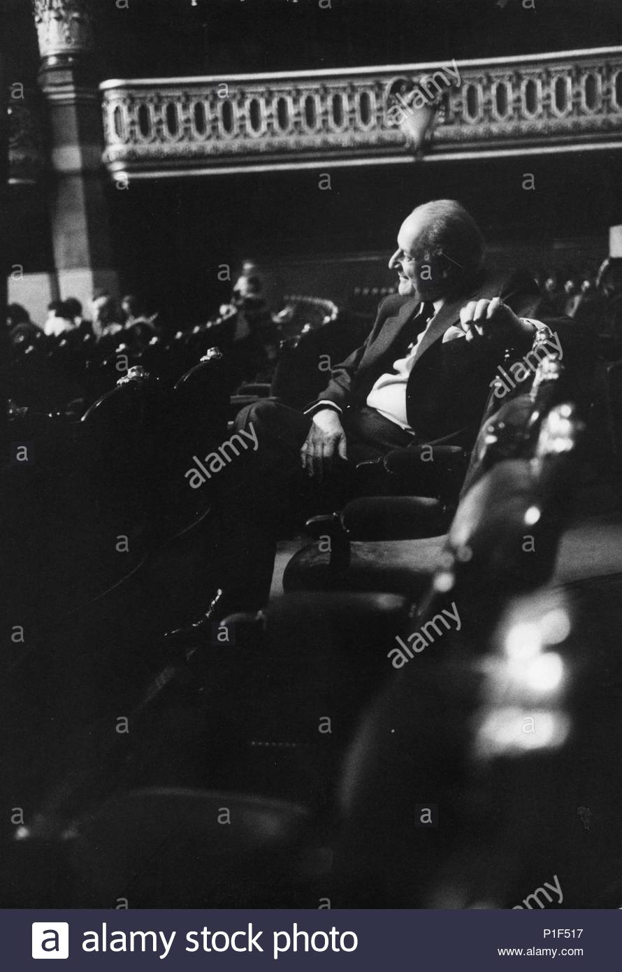 The Paris Opera in the Palais Garnier reopened in 1973 under its new director Rolf Liebermann.   Liebermann watching a rehearsal of the Marriage of Figaro, opener of the new season.   Paris Opera,1973. Location: Opera House Palais Garnier, Paris, France. - Stock Image
