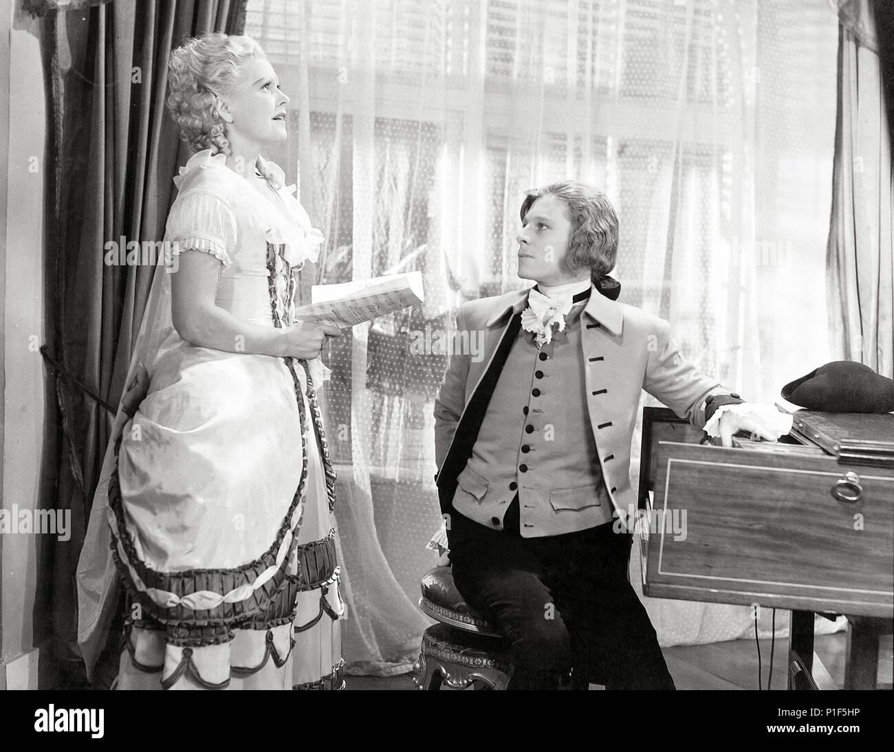 Original Film Title: WEN DIE GOTTER LIEBEN.  English Title: WEN DIE GOTTER LIEBEN.  Film Director: KARL HARTL.  Year: 1942.  Stars: WOLFGANG AMADEUS MOZART; HANS HOLT. Credit: WIEN FILM / Album - Stock Image