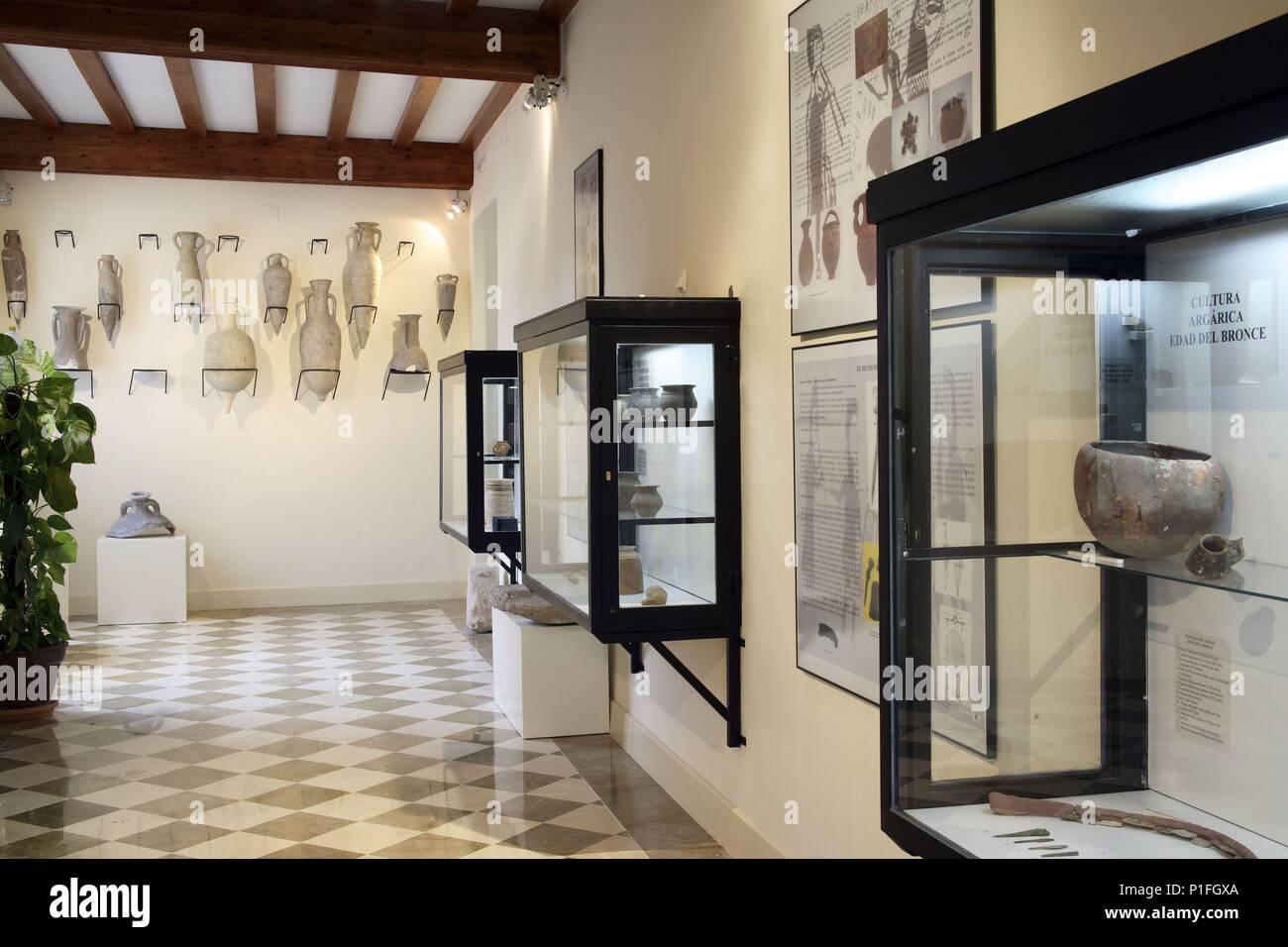 SPAIN - Cuenca de Mula (district) - MURCIA. Cehegín; Museo de Arqueología; sala. - Stock Image