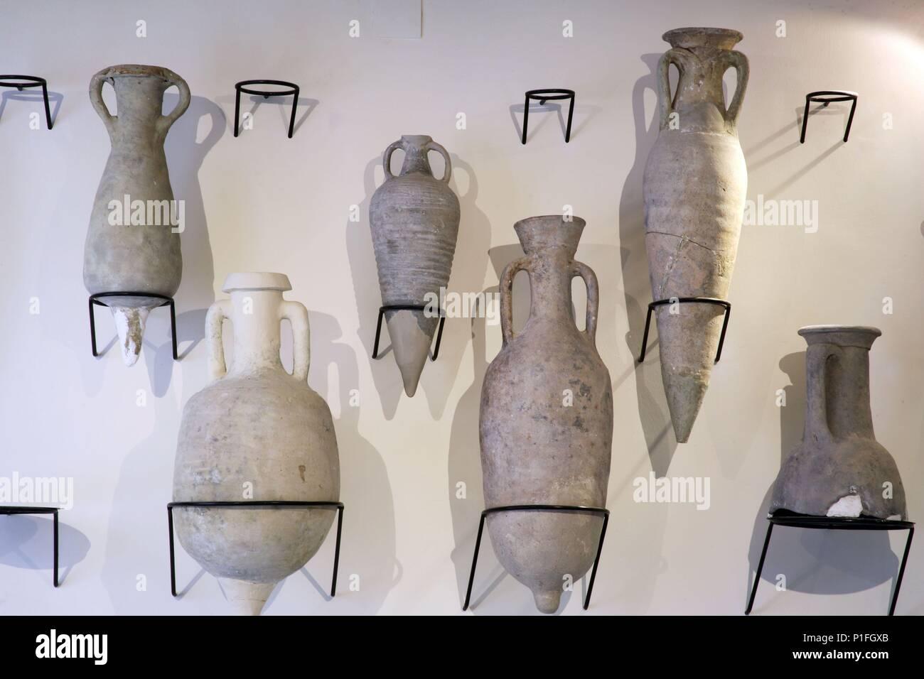 SPAIN - Cuenca de Mula (district) - MURCIA. Cehegín; Museo de Arqueología; sala vasijas iberas. - Stock Image