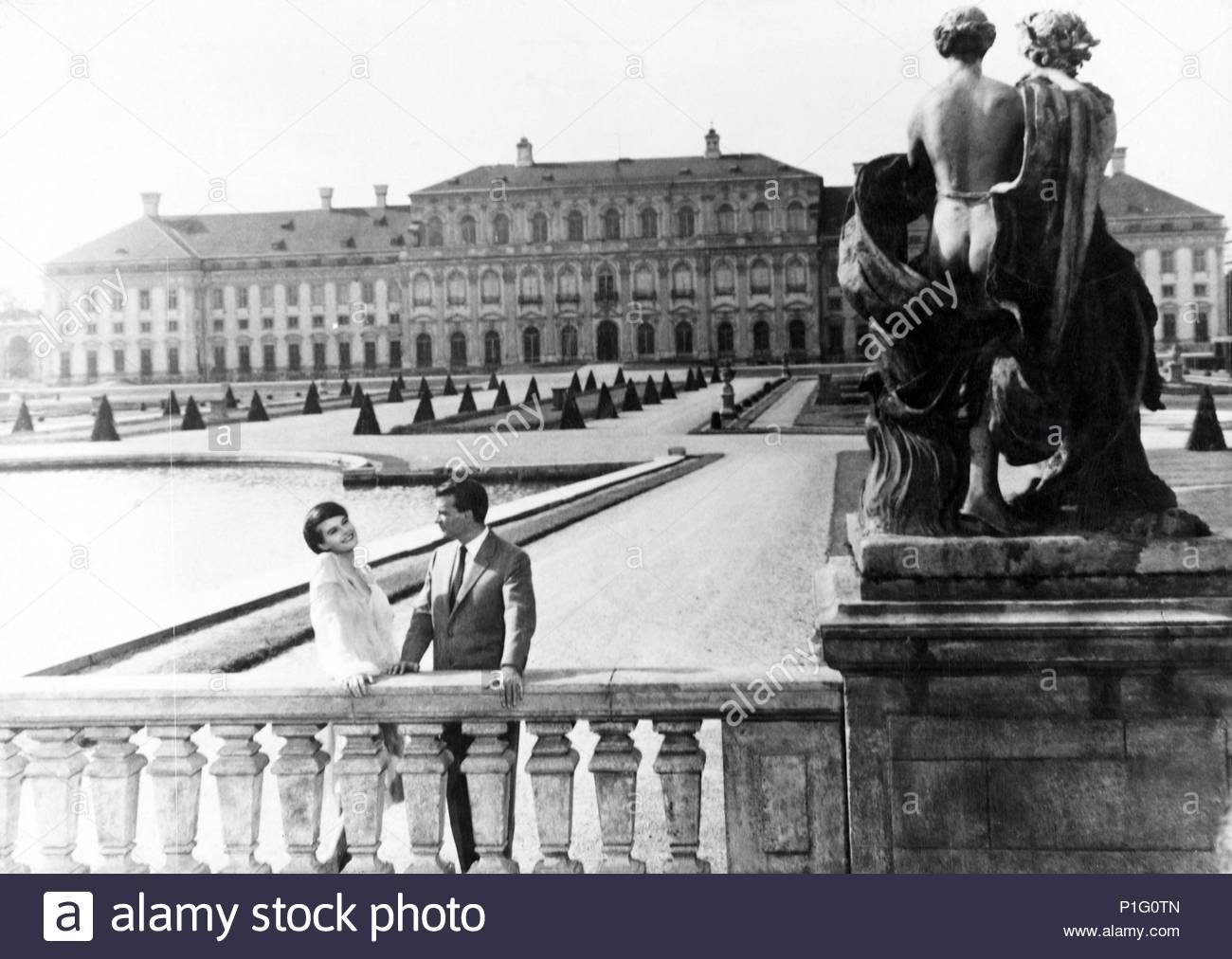 Original Film Title: L' ANNEE DERNIERE A MARIENBAD.  English Title: LAST YEAR AT MARIENBAD.  Film Director: ALAIN RESNAIS.  Year: 1961. Credit: TERRA / Album - Stock Image