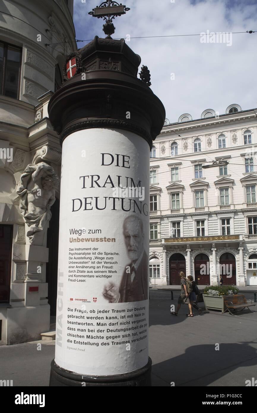 . Viena / Wien; Sigmund Freud tiene 'presencia' en la ciudad; aquí cerca de su estudio / museo en la Berggasse 19. - Stock Image