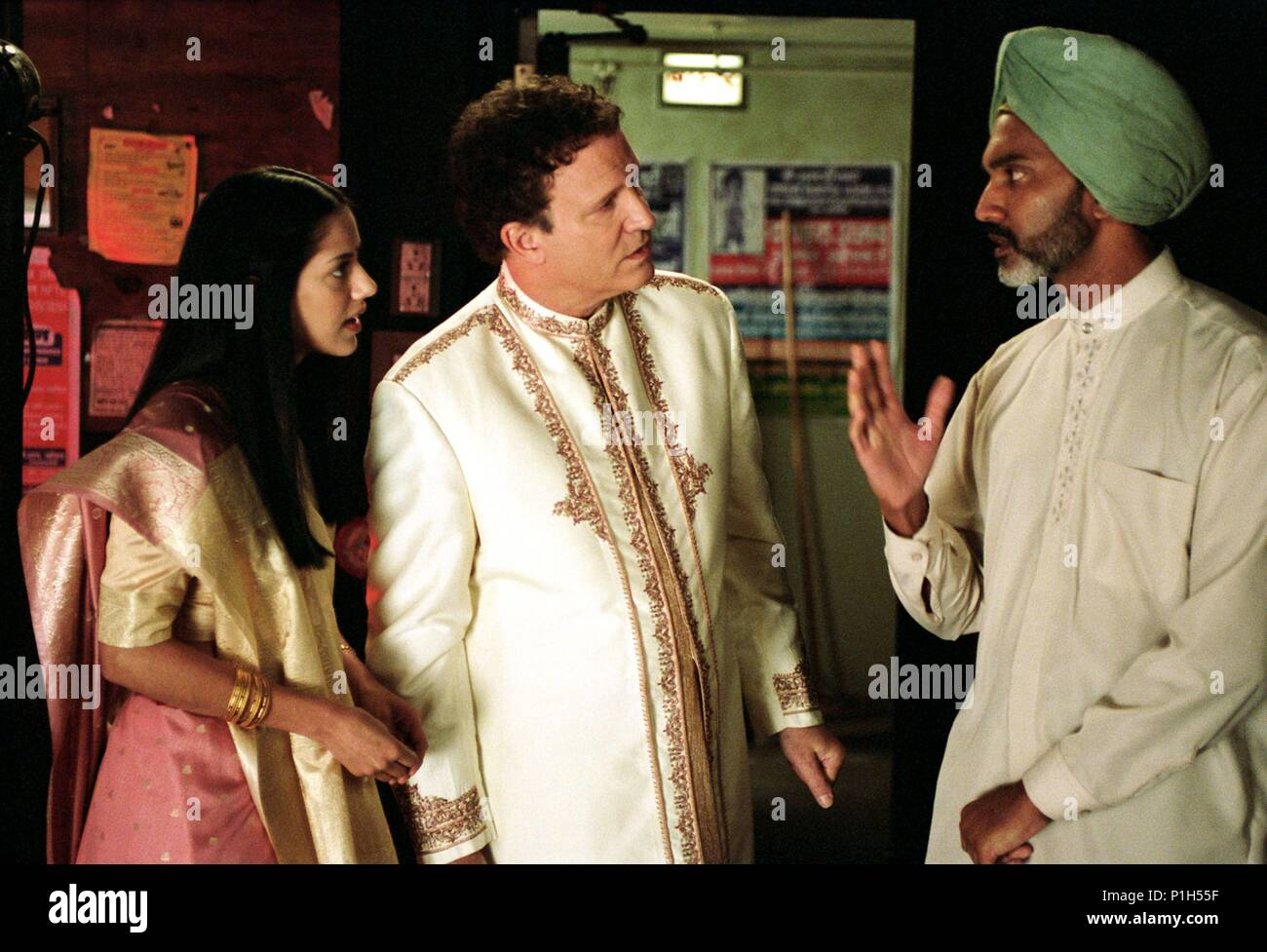 Original Film Title: LOOKING FOR COMEDY IN THE MUSLIM WORLD.  English Title: LOOKING FOR COMEDY IN THE MUSLIM WORLD.  Film Director: ALBERT BROOKS.  Year: 2005.  Stars: ALBERT BROOKS; SHEETAL SHETH; DUNCAN BRAVO. Credit: WARNER INDEPENDENT PICTURES / TERRELL, LACEY / Album - Stock Image