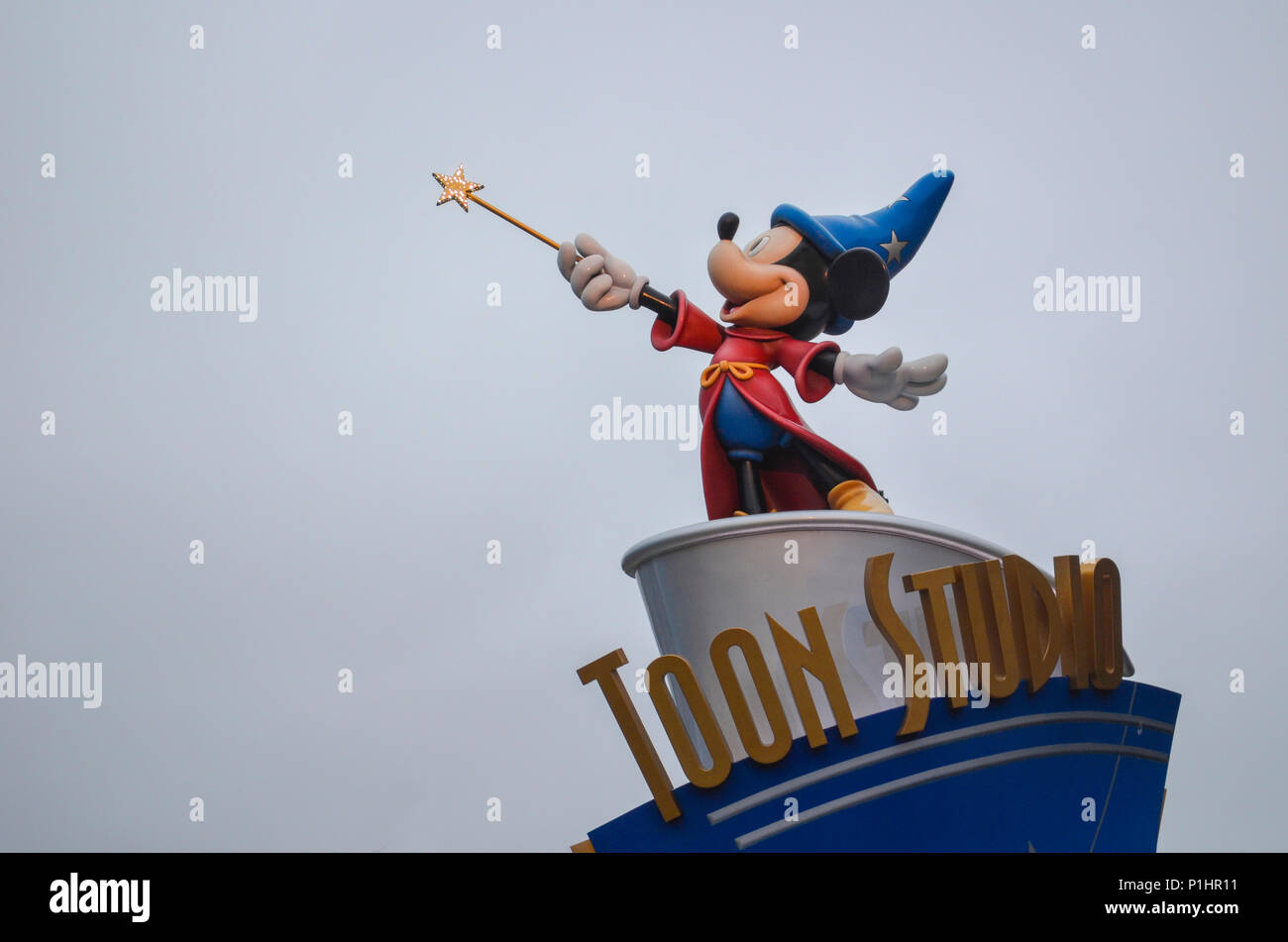 Figurine Remy Place of Toon Studio Disneyland Paris Square of Remy