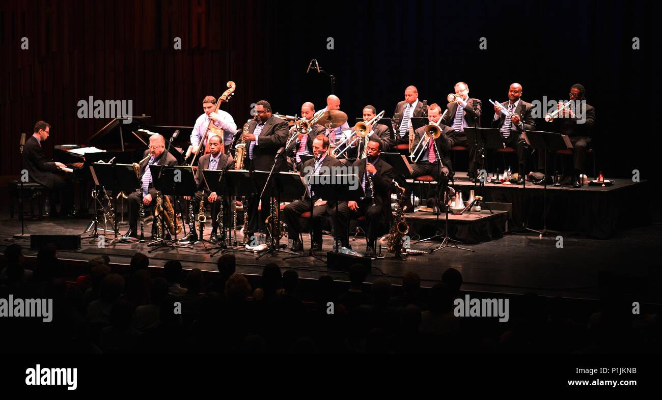 Wynton Marsalis and Jazz at Lincoln Centre Orchestra, The Sage Gateshead, 2010. - Stock Image