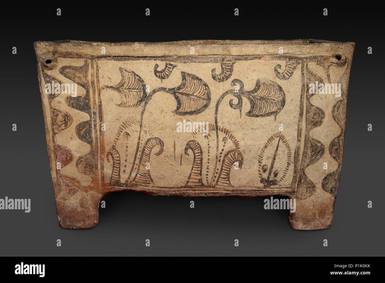 Larnax (coffin), Late Minoan IIIA Period, c1400 - c1300 BC. Chest larnax (coffin); papyrus plants and scale pattern. Dimension: length: 106 cmheight:  - Stock Image