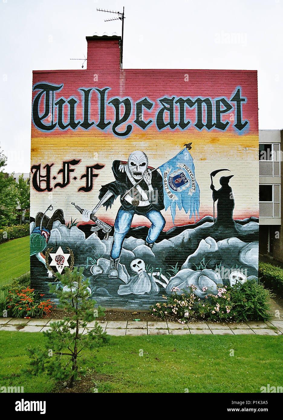 Belfast sectarian graffiti, kings road, Tullycarnet - Stock Image