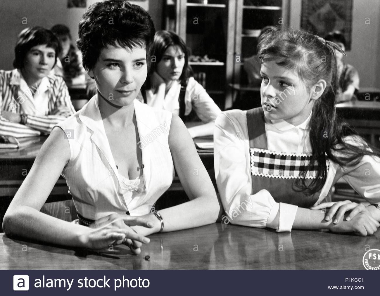 Original Film Title: SCHMUTZIGER ENGEL.  English Title: IMPERFECT ANGEL.  Film Director: ALFRED VOHRER.  Year: 1958.  Stars: CORNY COLLINS. Credit: ULTRA FILM / Album - Stock Image