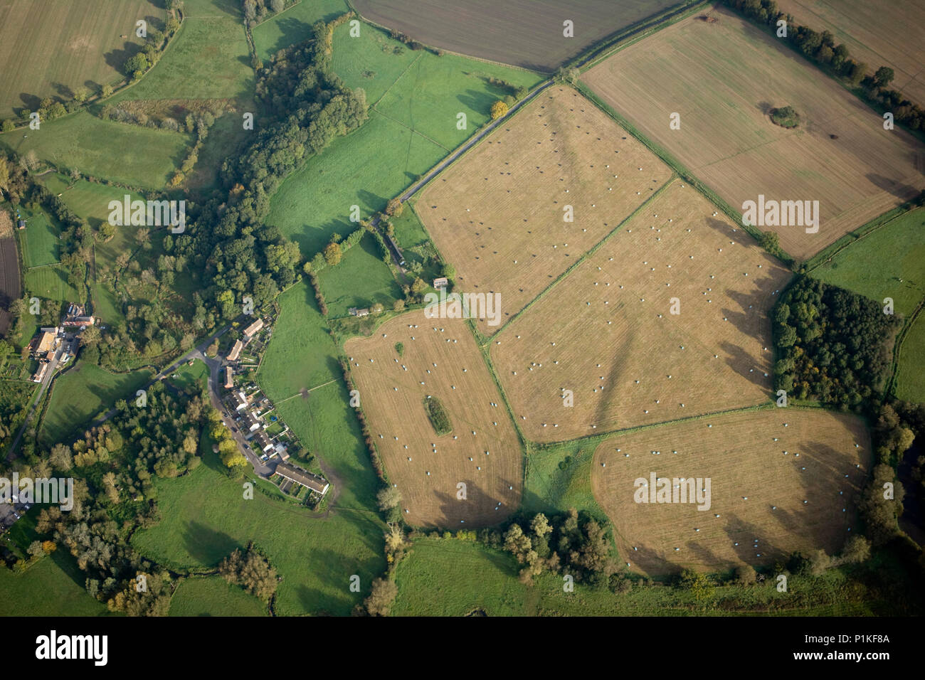 Marden Henge, Marden, Wiltshire, c1980-c2010. Aerial view of the neolithic site prior to 2010 excavations. The site is also known as Hatfield Earthwor - Stock Image
