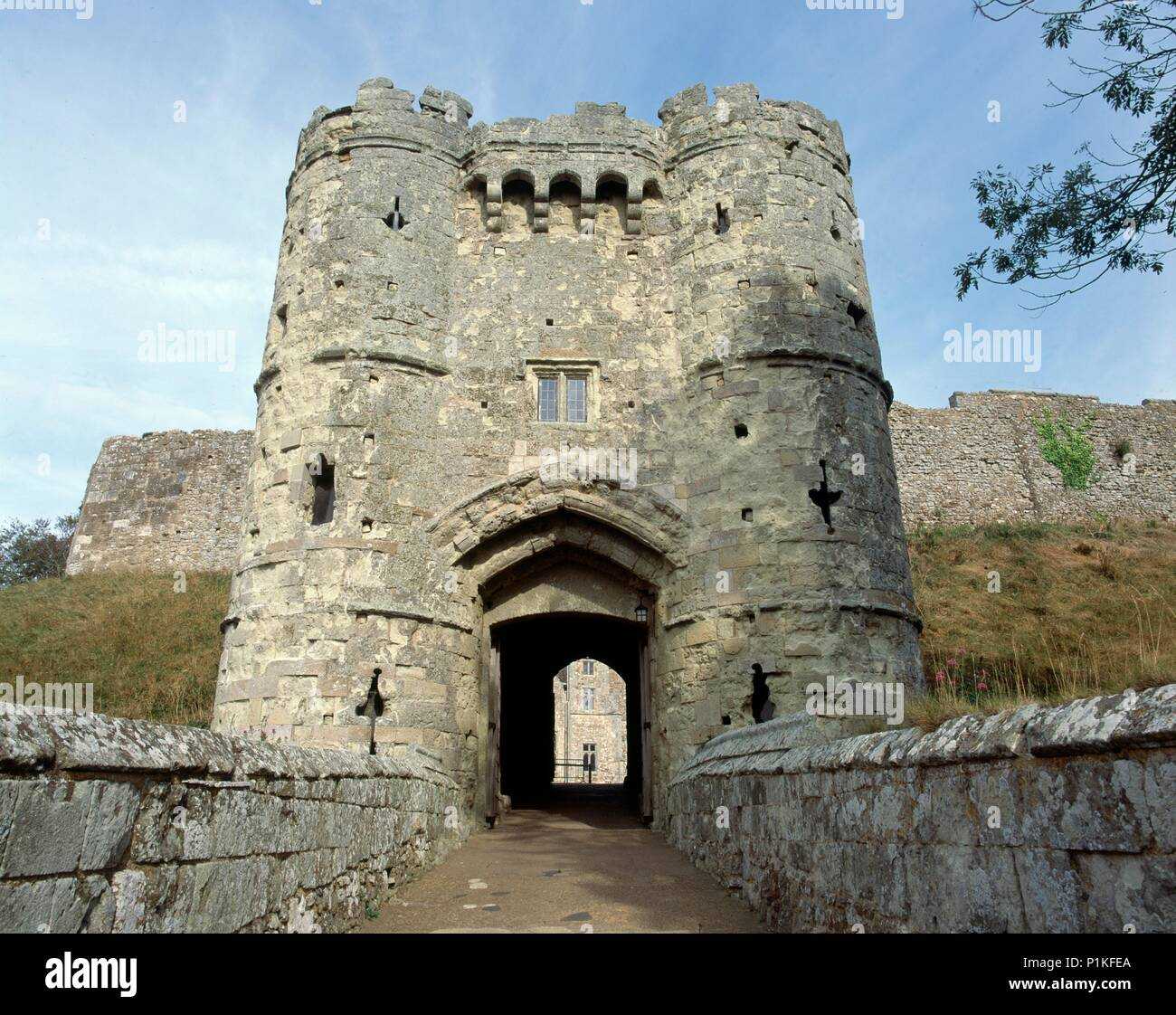 Gatehouse of Carisbrooke Castle, Isle of Wight, c1980-c2017. View of the gatehouse from the west. King Charles I was imprisoned in the castle for four - Stock Image