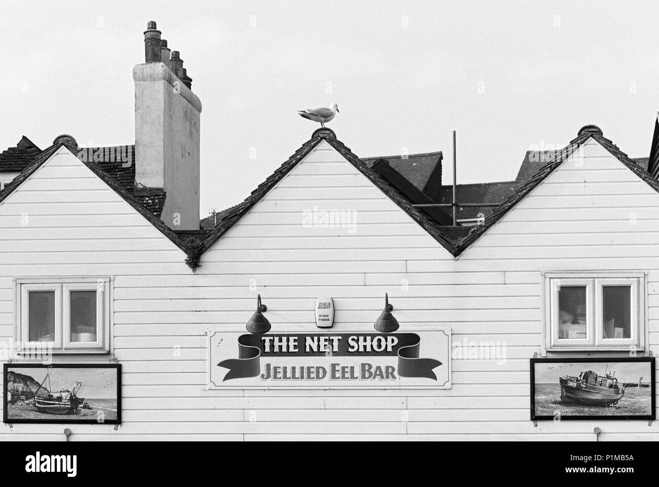 Net Shop Jellied Eel Bar on the Stade at Hastings Old Town, East Sussex UK - Stock Image