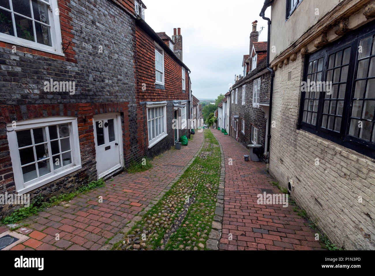 Narrow Keere St in Lewes, East Sussex, England, UK Stock Photo