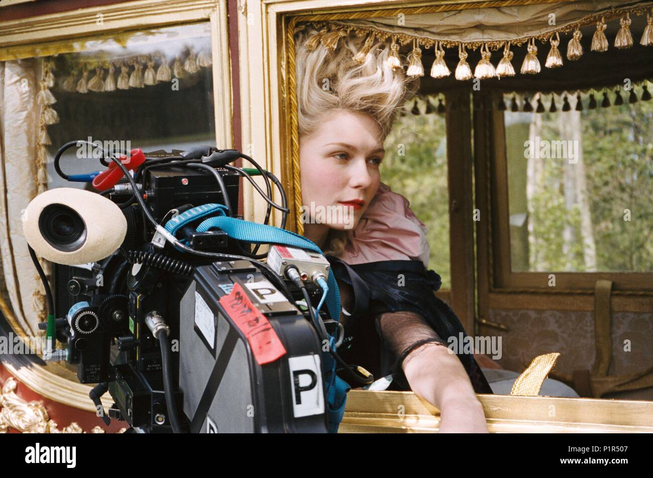 Original Film Title: MARIE ANTOINETTE.  English Title: MARIE ANTOINETTE.  Film Director: SOFIA COPPOLA.  Year: 2006.  Stars: KIRSTEN DUNST. Credit: COLUMBIA PICTURES CORPORATION/AMERICAN ZOETROPE / Album Stock Photo