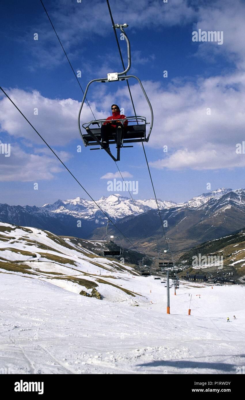 Alta Ribagorça: Estación de Ski de Boí - Taüll (Valle de Boí - Alta Ribagorça); remontador - pistas. - Stock Image