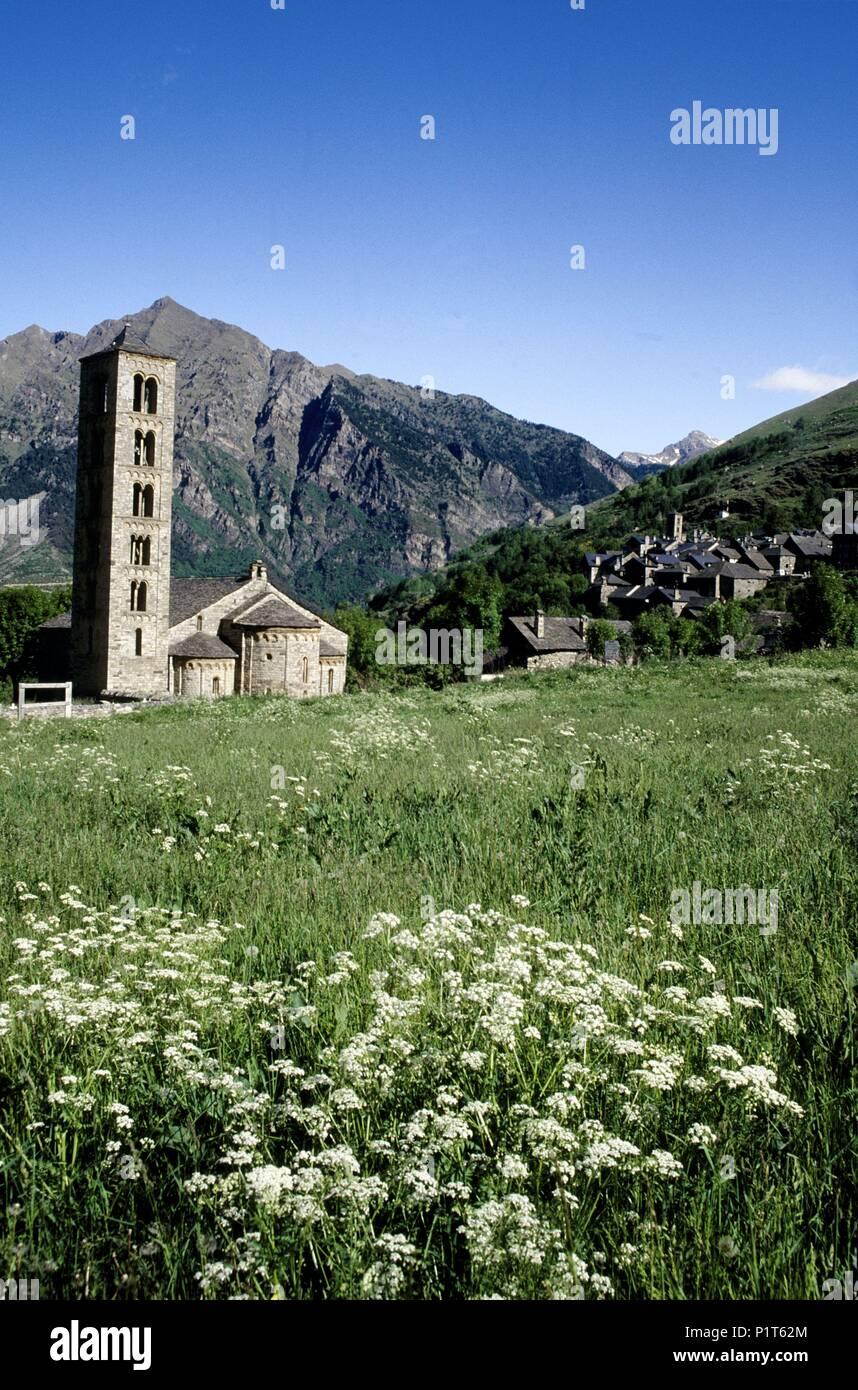 Alta Ribagorça: Taüll, romanesque Sant Climent church; (Alta Ribagorça). - Stock Image