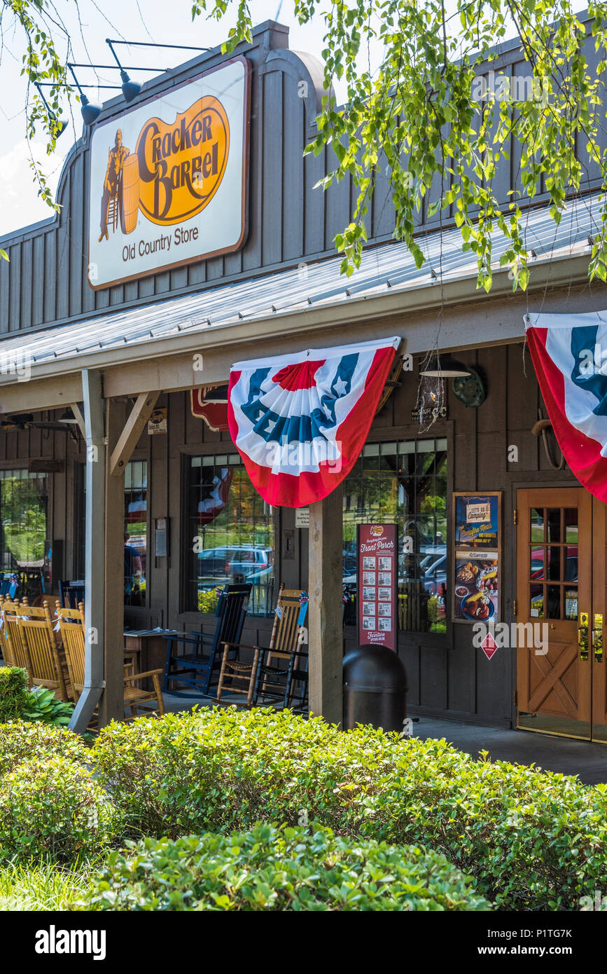 Cracker Barrel Old Country Store in Russellville, AR. (USA) - Stock Image