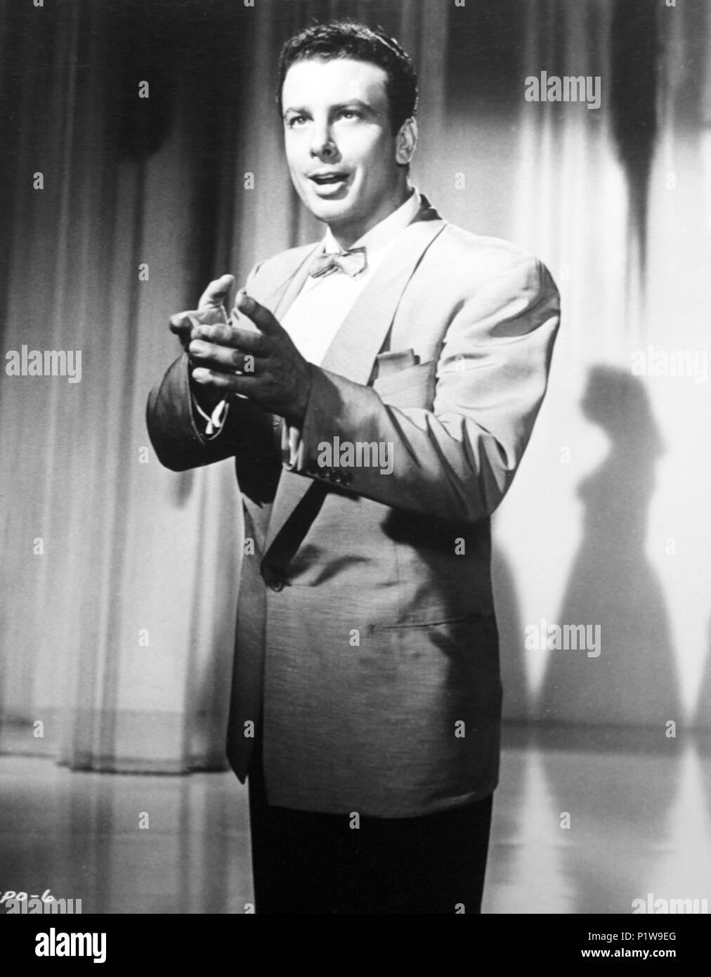 Original Film Title: BING PRESENTS ORESTE.  English Title: BING PRESENTS ORESTE.  Film Director: EDWARD DMYTRYK.  Year: 1956. Credit: PARAMOUNT PICTURES / Album - Stock Image