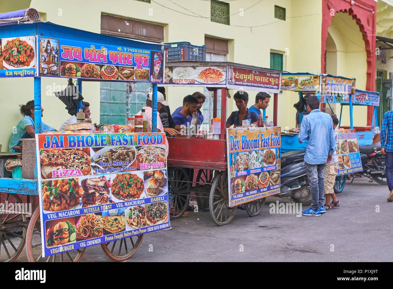 Street vendors selling food in Pushkar, India. - Stock Image